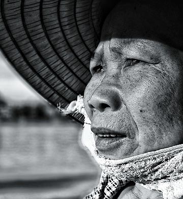 iPhone portrait in black and white, Vietnam